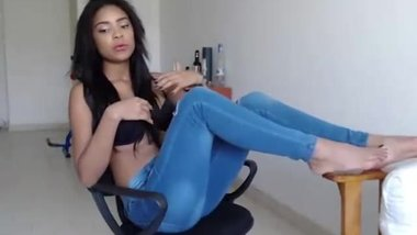 queen little brazilian show here cute feet