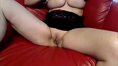 Fucking hot mom masturbates in front of many strangers
