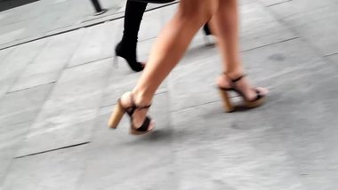 walking girls sexy legs feets calves high heels