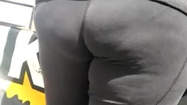 A Thick Spanish ass in black