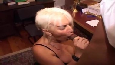 Daniela milf italiana incinta si masturba