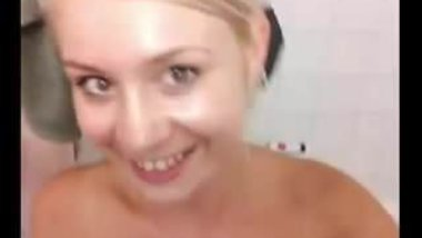 Blonde camgirl bath pee