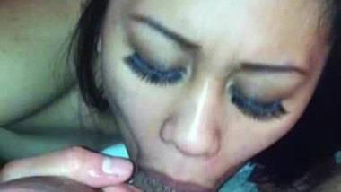 Pinay Sucking Balls & Deepthroating Bf's Dick