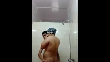 kashmiri brother sisiter in bathroom