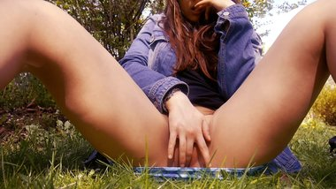 OUTDOOR MASTURBATION - Springtime love.