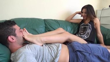 Hot Feet on Face Handjob from Teen